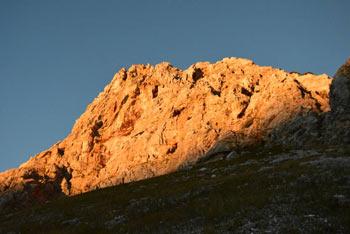 Koča pri Triglavskih jezerih je ena izmed najbolj obiskanih koč v Julijskih Alpah.