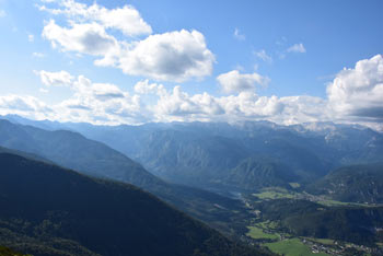 Lisec je eden izmed najlepših razglednikov na Bohinjsko jezero in dolino, ki ga obdaja.
