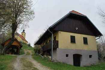 Ložno je razgleden grič ob pobočjih Boča in blizu Donačke gore.