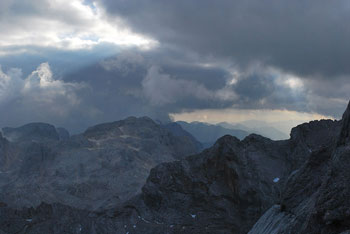Mali Triglav je takoj za Škratico tretji najvišji vrh v Sloveniji.