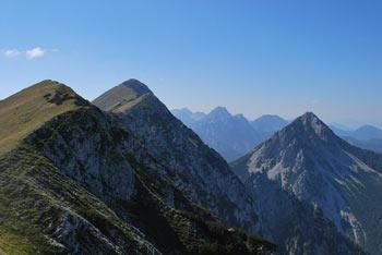 Malo Kladivo manj znani vrh višjega soimenjaka na Košuti.