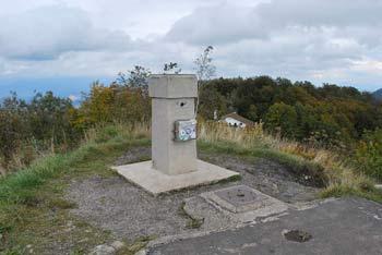 K Mrzlici se odpravimo iz prelaza Podmeja, ki se nahaja med Trbovljami in Preboldom.