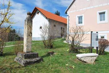 Pilštanj pod Vino goro v dolini Bistrice je po legendi rojstni kraj Eme Krške.