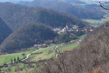 V dolini Bistrice se poleg Pilštanja nahaja še srednjveški trg Kozje in znamenita Podsreda s svetiščem Stare gore.