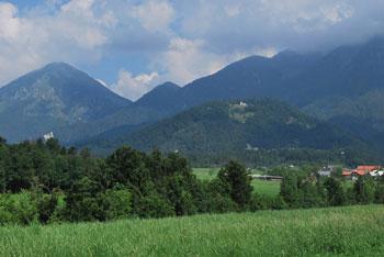 Sveti Lovrenc pod Storžičem je ena izmed razglednih cerkvic na Gorenjskem.