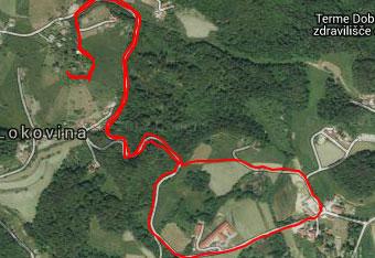 GPS sled nas pripelje do srednjveških razvalin pri Kačjem gradu.