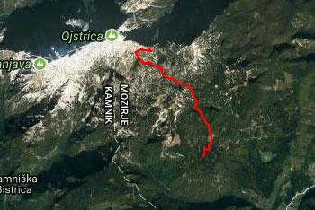 Na Malo Ojstrico se odpravimo s planine Podvežak, pot pa nas vodi mimo Deske in Tolstega vrha vse do Korošice.