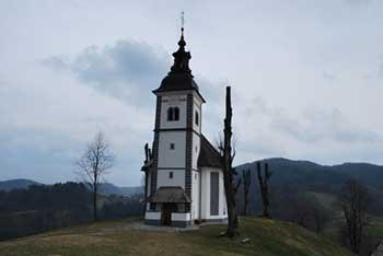 Bukov vrh se nahaja nad Poljansko dolino na njemu pa stoji romarska cerkvica Žalostne matere božje.