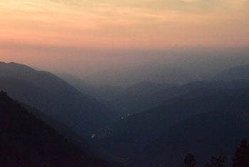 Hudournik je izvrsten razglednik na Vojskarski planoti nad Oblakovim vrhom.