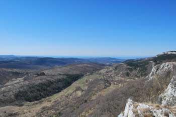 Lipnik je še eden izmed več razglednih vrhov Podgorskega Krasa.