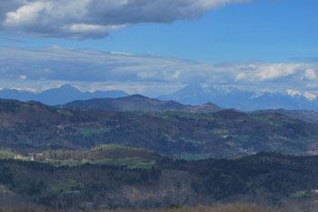 Pod Planino pri Vrhniki je raziskoval bruhalnik Lintvern že znameniti J.V.Valvasor.