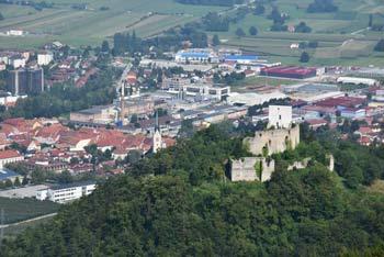 Stolpnik je najvišji vrh Konjiške gore. Z nje se vidi Pohorje, Stenico in za njo Paški Kozjak. Na drugi strani gore je Žička kartuzija.