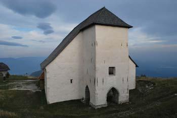 Uršlja gora ima v Sloveniji najvišje stoječo cerkev posvečeno dobri svetnici.
