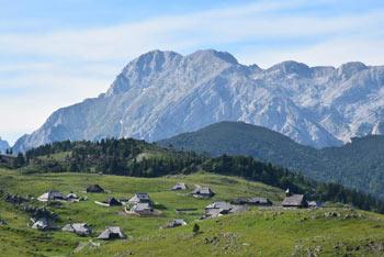Velika planina je naša največja gorska pašna planina.