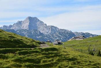 Na izlet po Veliki planini se odpravimo s parkirišča Za ušivcem.