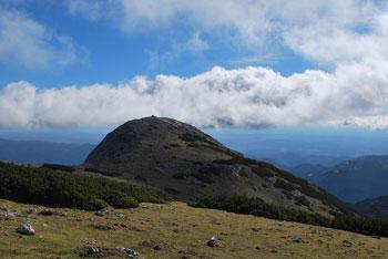 Najvišji vrh Dleskovškove planote je Velika Zelenica. Hribi na planoti večinoma ne presegajo 2000 metrov nadmorske višine.