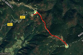 Pot preko Pohorja nas pripelje na prostranstva Črnega vrha.