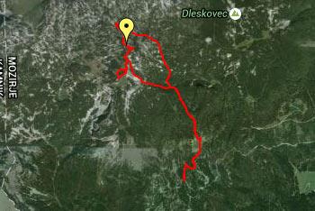 Iz Deske se odpre razgled na razgibano Dleskovškovo planoto.