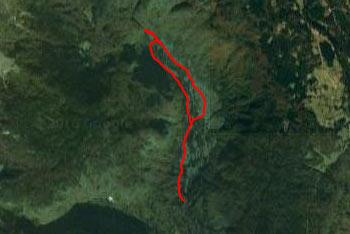 Dolina Voje se nahaja pod pokljuško planino Uskovnico.