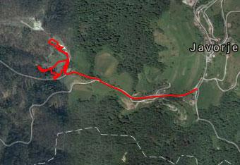 Tudi po parku Javorje je orientacija lahka, zato gps aplikacijo uporabimo, da najdemo izhodišče.