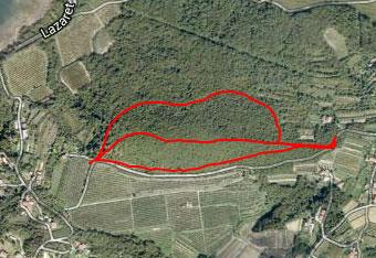 Orientacija po Jurjevem hribu je lahka, zato uporabimo gps track, da najdemo izhodišče.