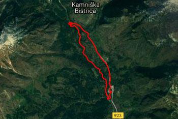 Pot ob Kamniški Bistrici nas pripelje do dveh sotesk Mali in Veliki Predaselj.