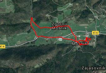 GPS sled nas vodi skozi naselje Motnik in bližnje pašnike.
