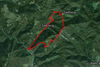 Polhograjska Grmada je dobro obiskan hrib, zato so poti dobro nadelane in označene.